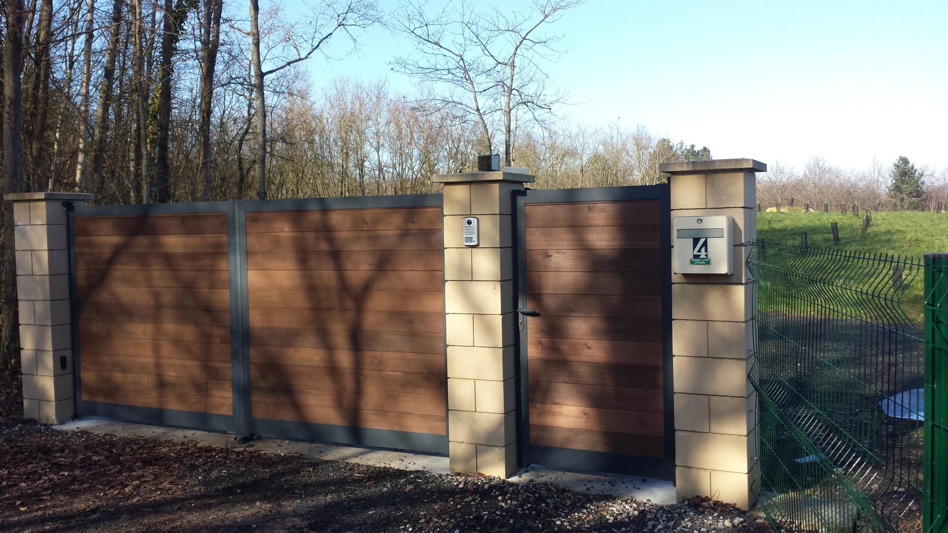 Portail Kyro gris et portillon