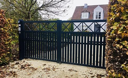 Borely portail battant noir maison